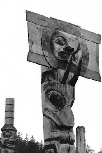 totem pole mortuary totem pole alaskan art
