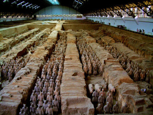 Terracotta army soldiers lined up