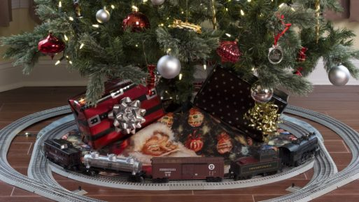 Old WW@ christmas tree with train at base