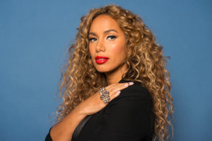 Photo of Leona Lewis who performs Footprints in the Sand