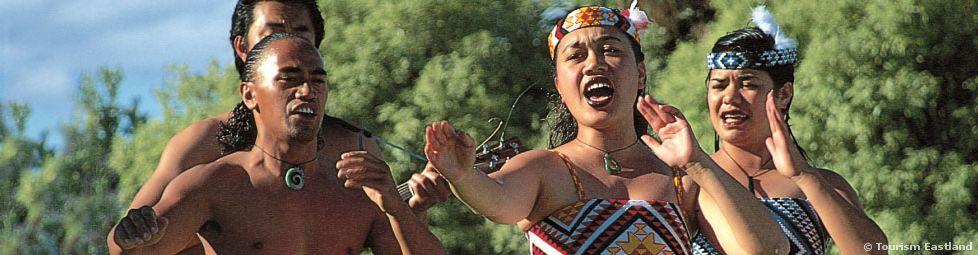 Tangihanga: A Look Into a Traditional Maori Funeral ...