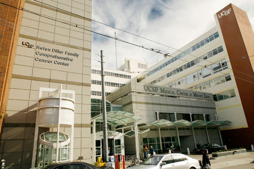 Image of the entrace to the UCSF Cancer Center