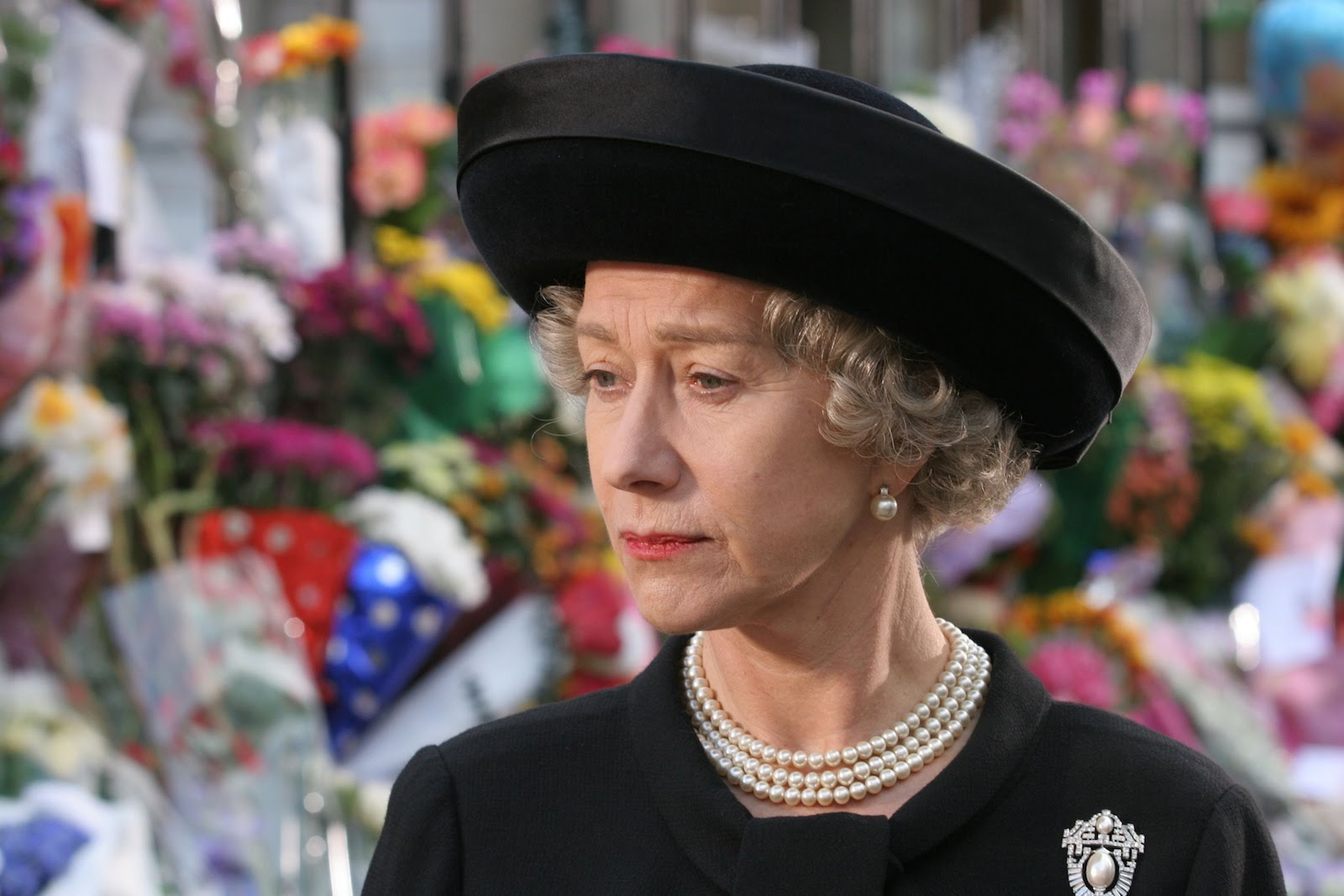 """""""Movie Review: """"The Queen"""" with Helen Mirren - SevenPonds ..."""